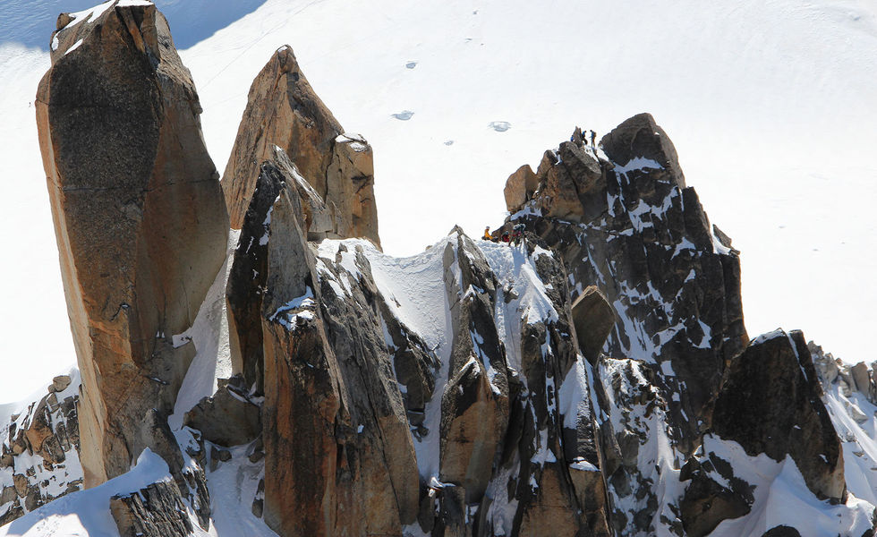 attualità, monte bianco, arete des cosmiques, sicurezza
