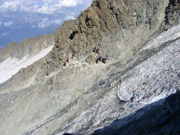 Photo of Monte Bianco, fortemente sconsigliata la normale francese per ragioni di sicurezza