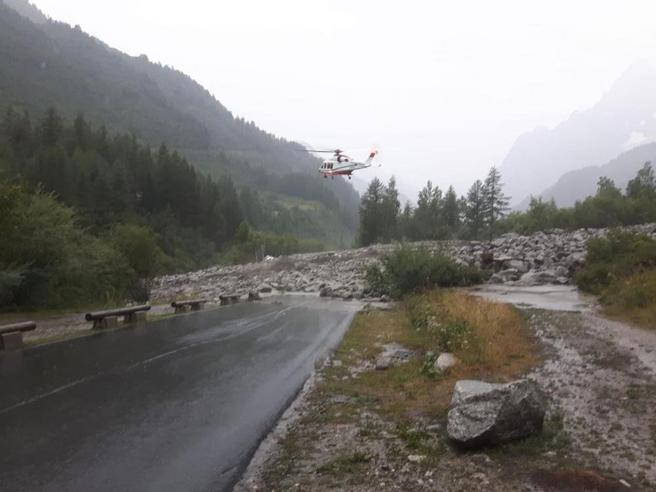 Photo of Aggiornato – Frane in Val Ferret, salgono a due le vittime