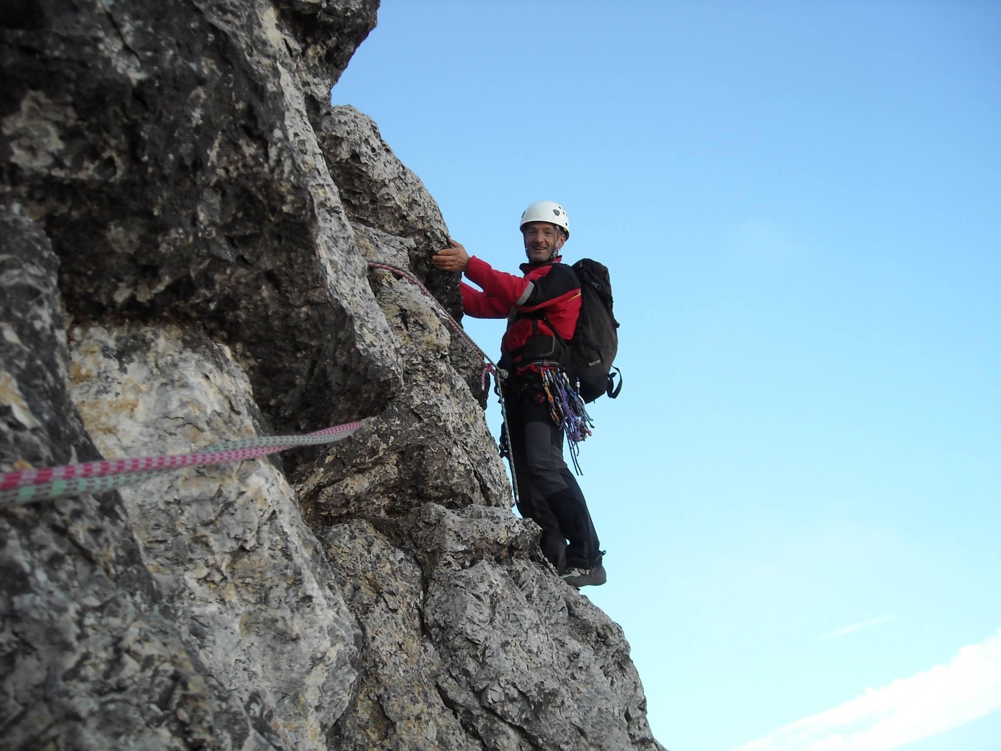 Photo of Precipita per 25 metri, muore alpinista sul Sass Pordoi