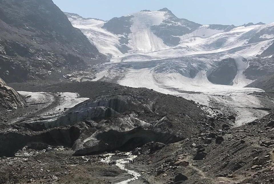 Photo of I ghiacciai alpini agonizzano, la testimonianza diretta di Marco Confortola