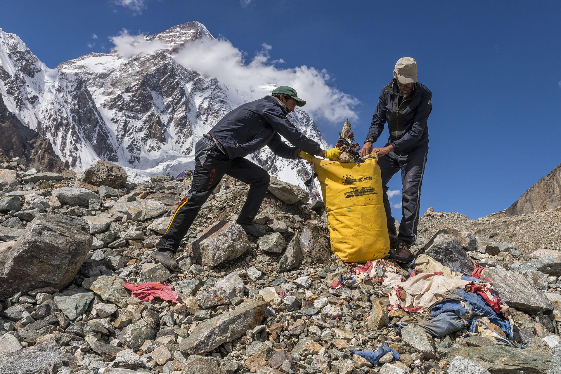 Photo of Paolo Petrignani, un fotografo ai piedi del K2