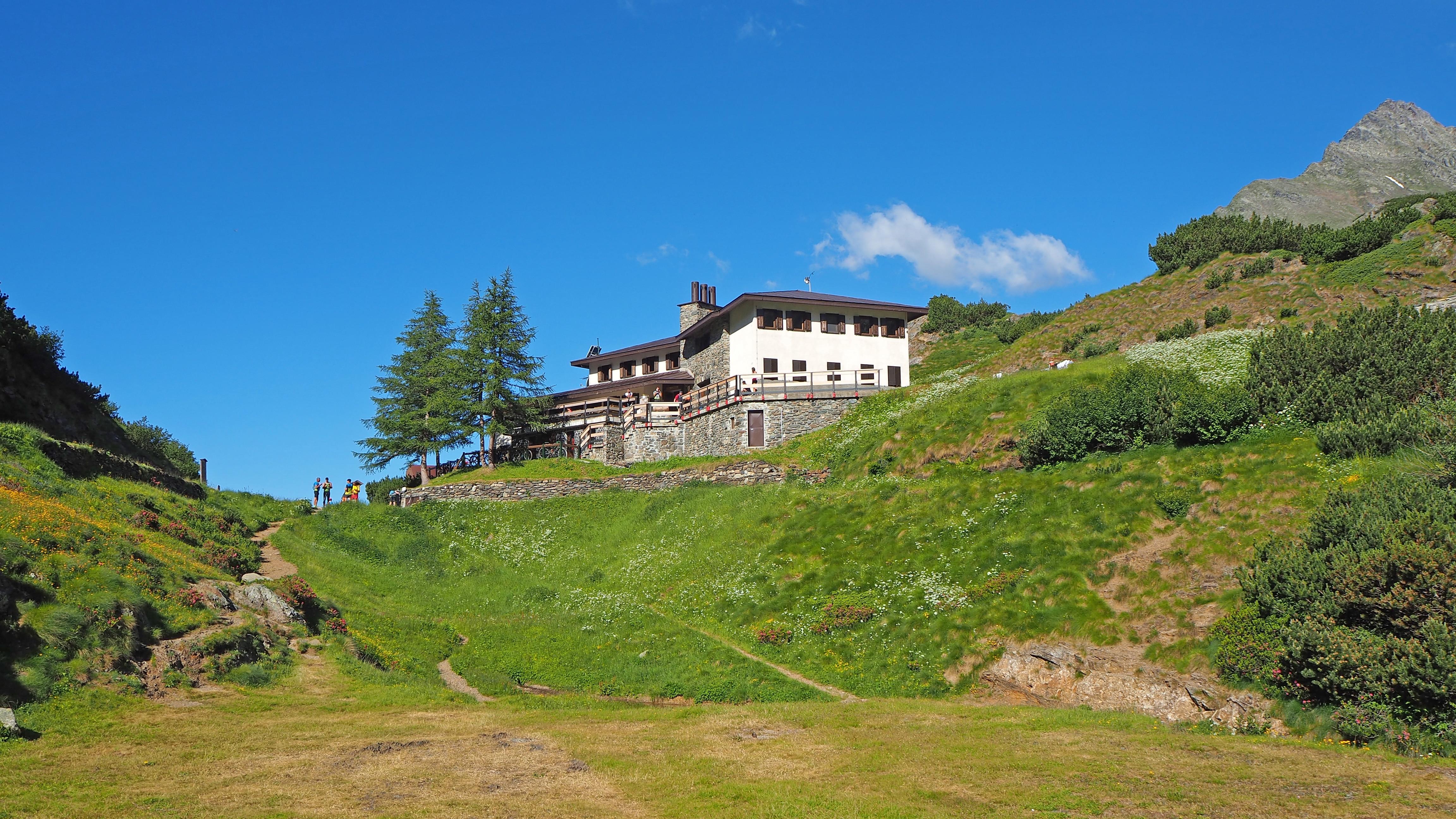 Photo of In edicola – Orobie da esplorare e conoscere con le guide di Meridiani Montagne