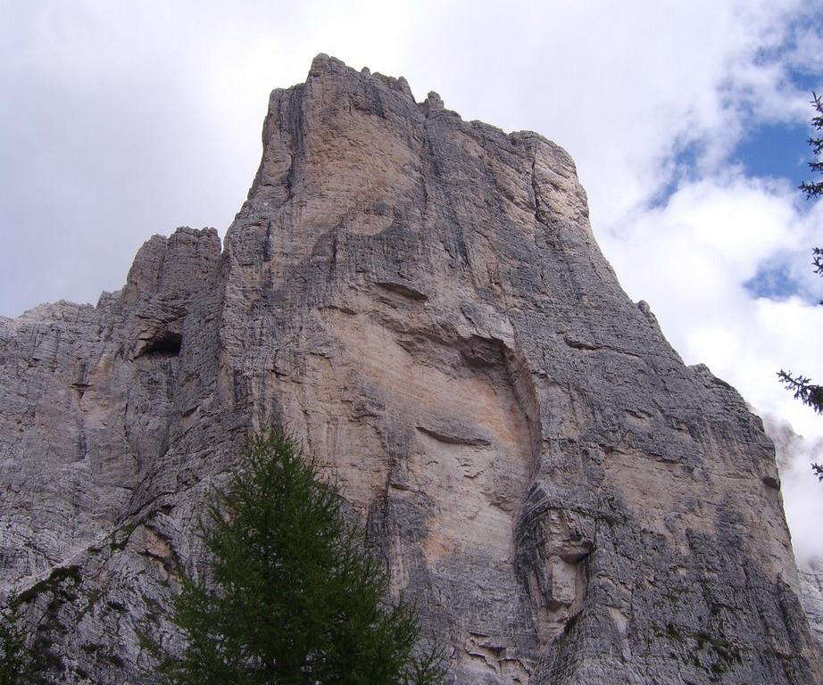 Photo of Dolomiti – Torre Venezia: franato il traverso della Via Tissi