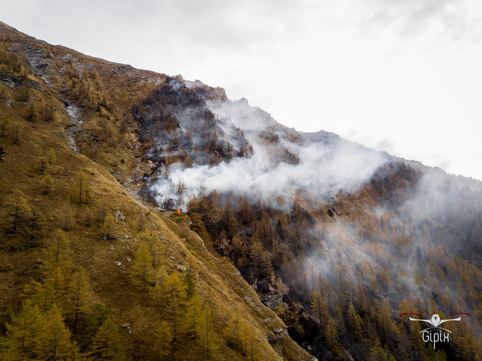 Photo of Incendi in Val Susa: pronti gli interventi, ma la montagna rimane segnata dal fuoco