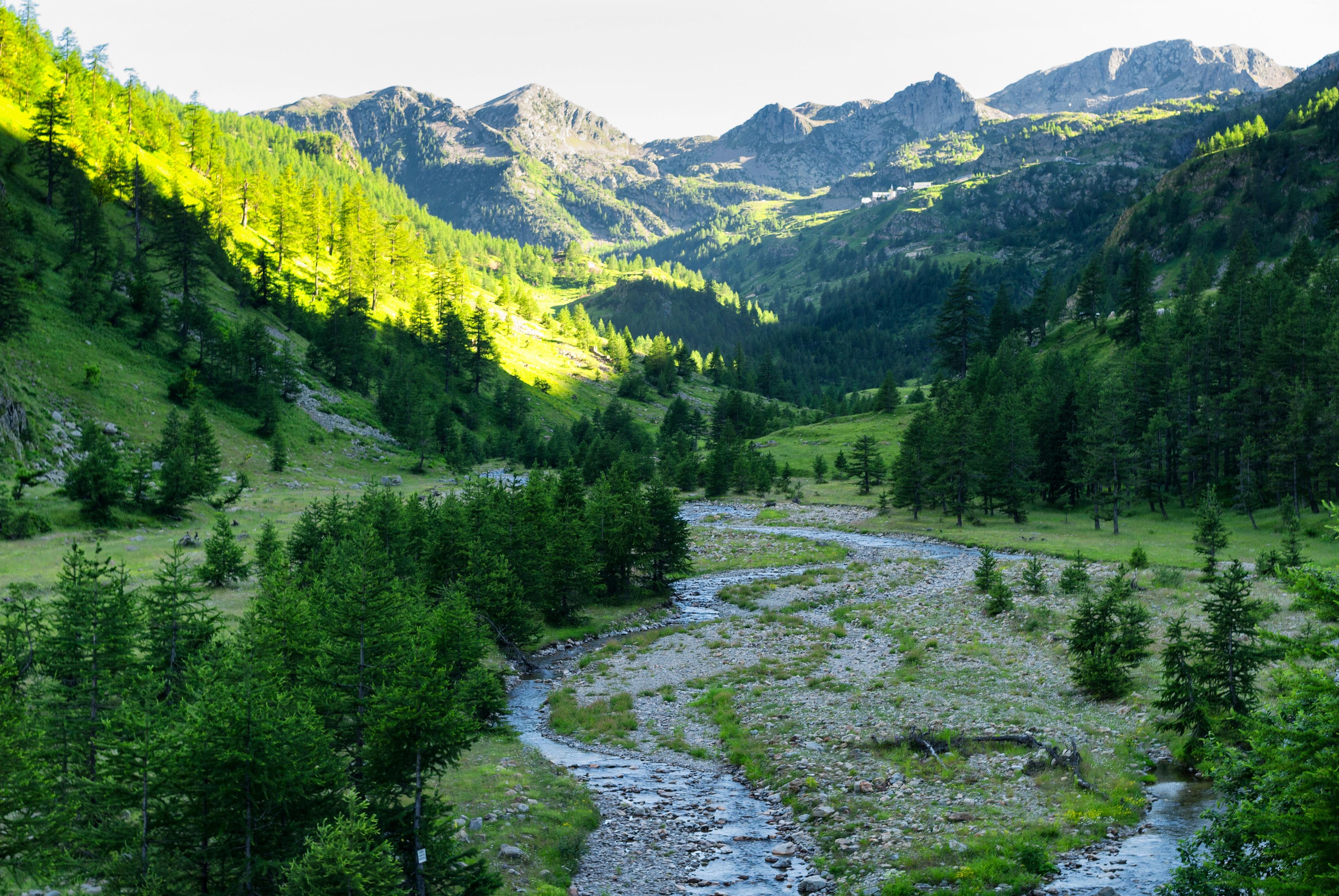 Photo of In edicola – Alpi Marittime da esplorare e conoscere con le guide di Meridiani Montagne
