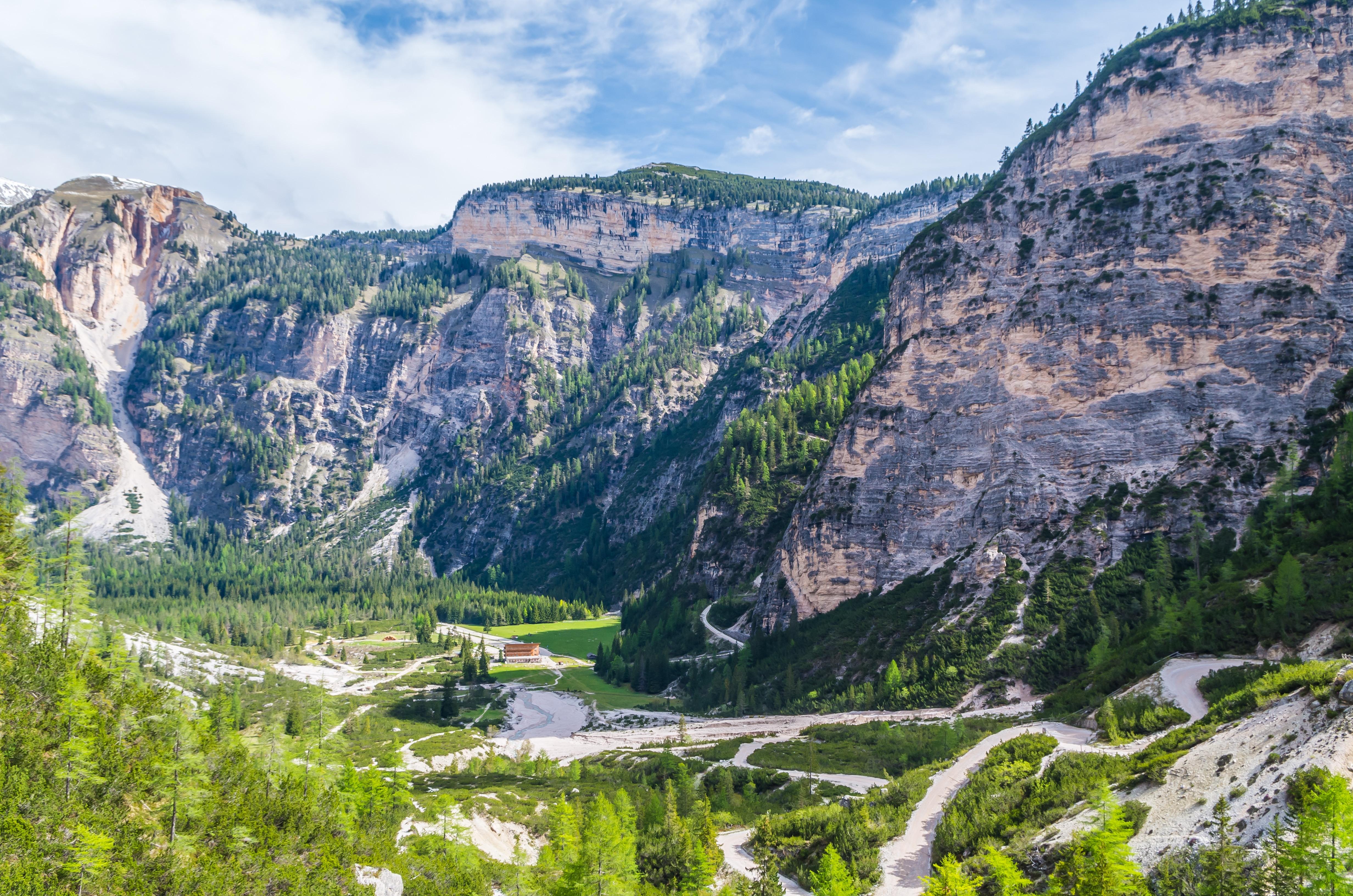 Photo of In edicola – Dolomiti di Fanes da esplorare e conoscere con le guide di Meridiani Montagne