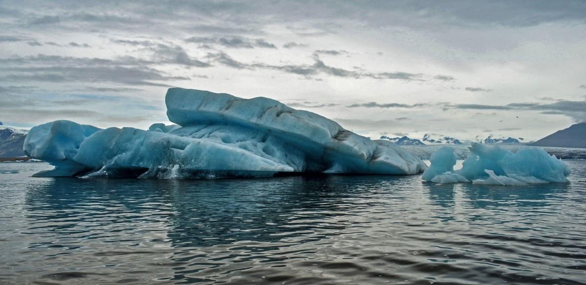 """Photo of """"Caldo Artico"""", oggi in prima serata su Rai3 si parla di scioglimento dei ghiacciai"""