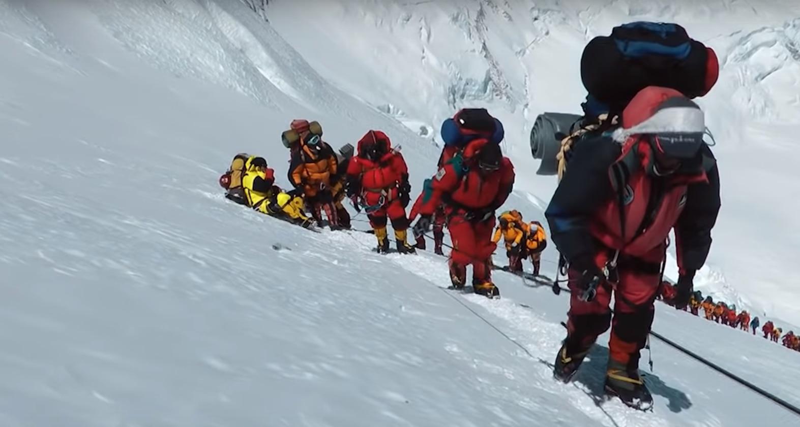 Photo of VIDEO – Un documentario HBO racconta la dura vita degli sherpa