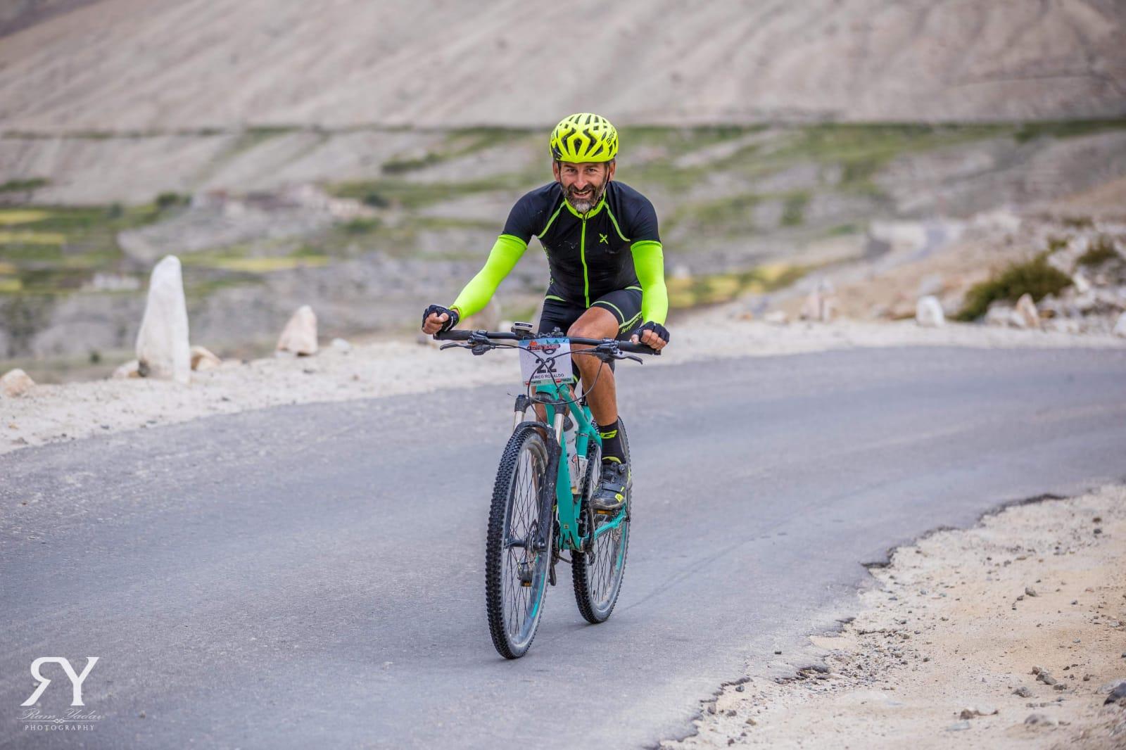 Photo of Ladakh: si è svolta la gara di MTB più alta al mondo. C'era anche Montagna.tv
