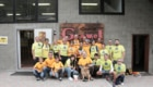 il team Gamba in Spalla e Marcella Pont davanti alla sede Grivel di Courmayeur ph Romuald Desandré IMG_6836