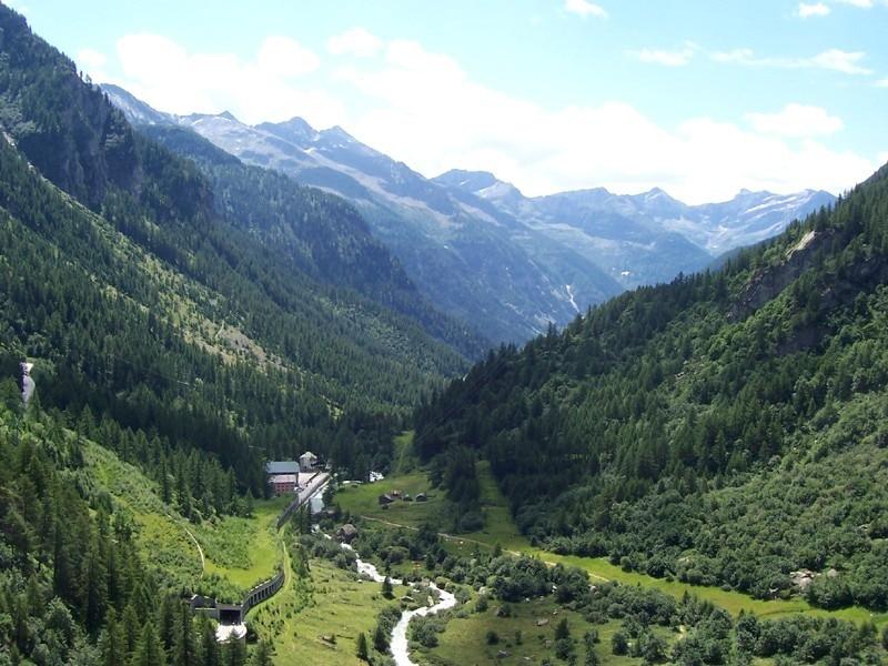 Photo of In edicola – Veglia-Devero-Formazza da esplorare e conoscere con le guide di Meridiani Montagne
