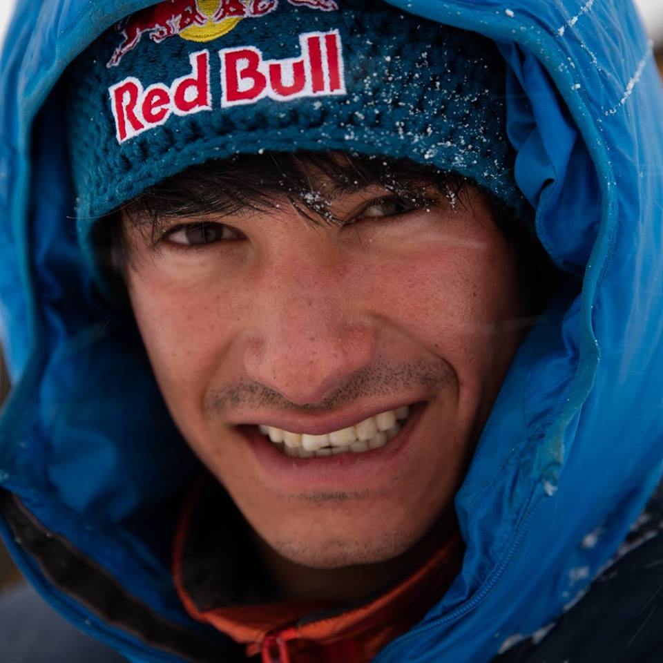Photo of La terza volta è quella buona! David Lama in vetta al Lunag Ri