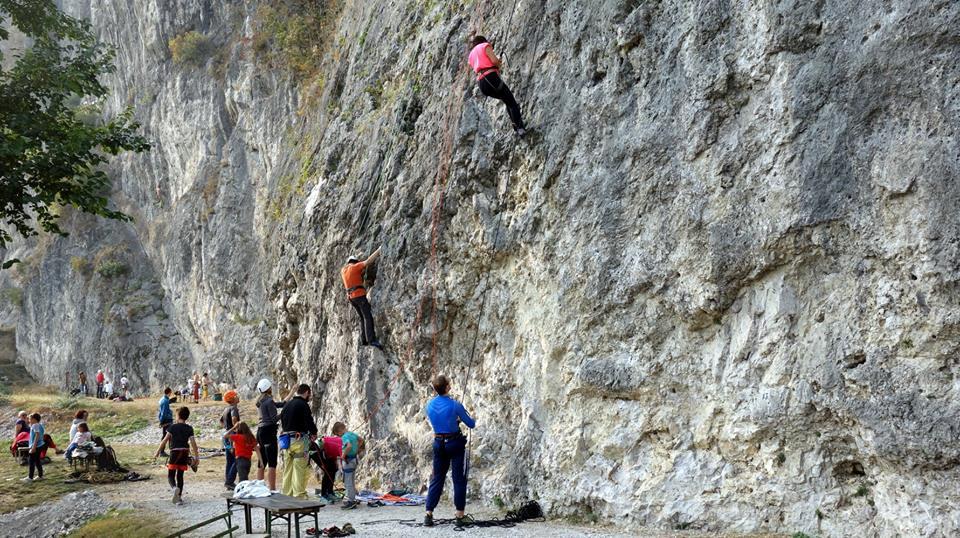 Photo of Maltempo nel weekend, rimandate le escursioni e le arrampicate gratuite con le Guide Alpine