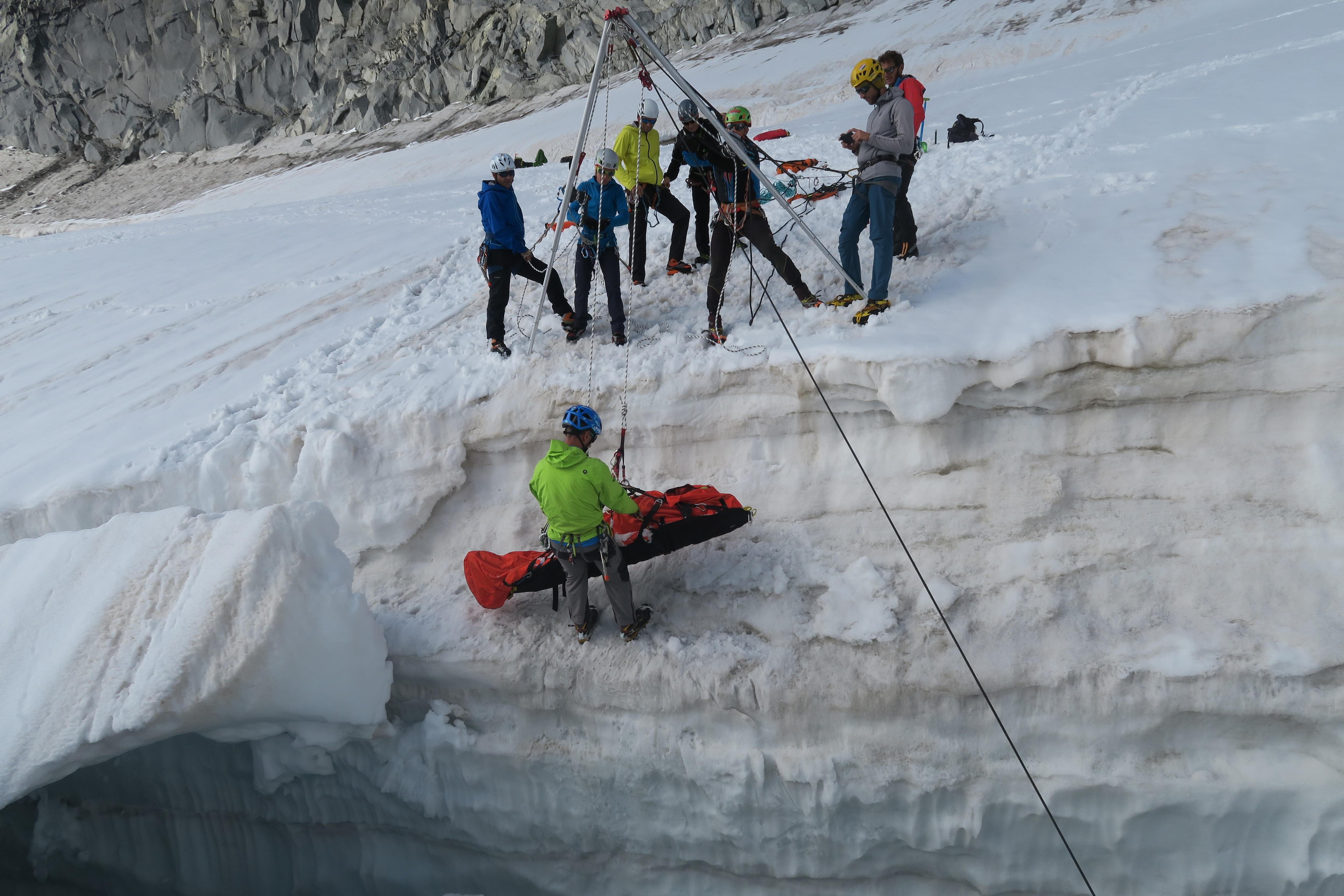 Photo of Guide alpine lombarde, un aiuto per il soccorso in montagna