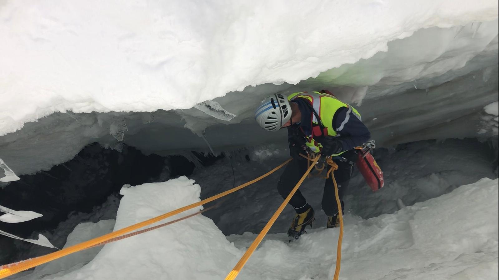 Photo of Monte Bianco: rischi ignorati, giovane finisce in un crepaccio