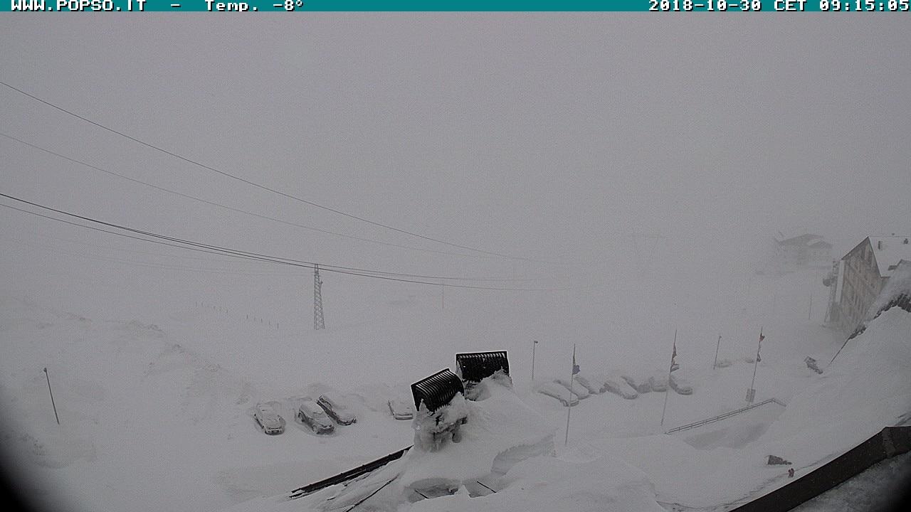 Photo of 180 persone bloccate sullo Stelvio a causa della neve