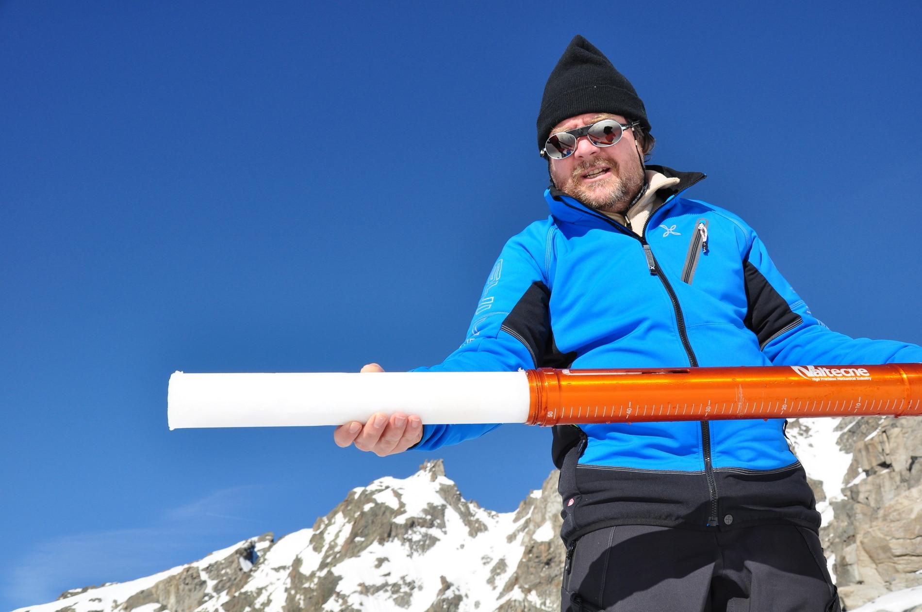 Photo of Luca Mercalli: entro fine secolo non ci sarà più ghiaccio sulle Alpi