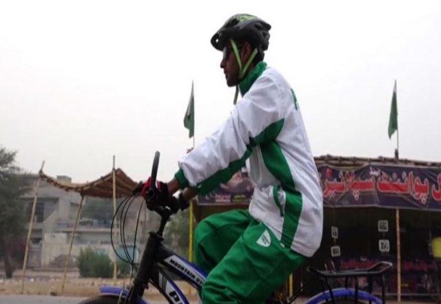 Photo of In bici dal Punjab al campo base del K2. L'impresa eccezionale di un giovane pakistano