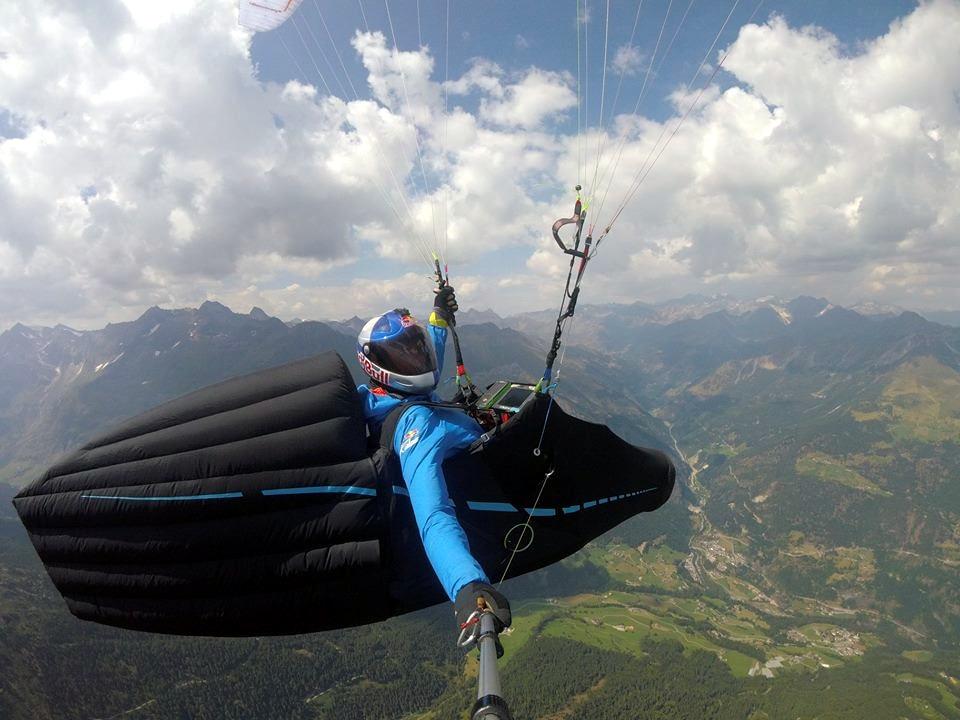 Photo of Aaron Durogati sfiora il record mondiale di volo libero in parapendio