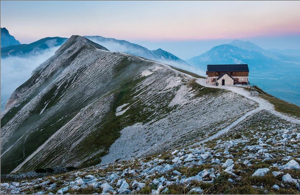 Photo of Il rifugio Duca degli Abruzzi resterà chiuso per tutta la stagione, inagibile anche il locale invernale