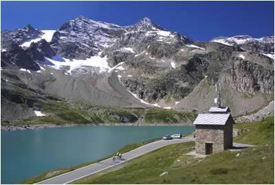 Photo of Giro d'Italia nel Parco del Gran Paradiso, è polemica