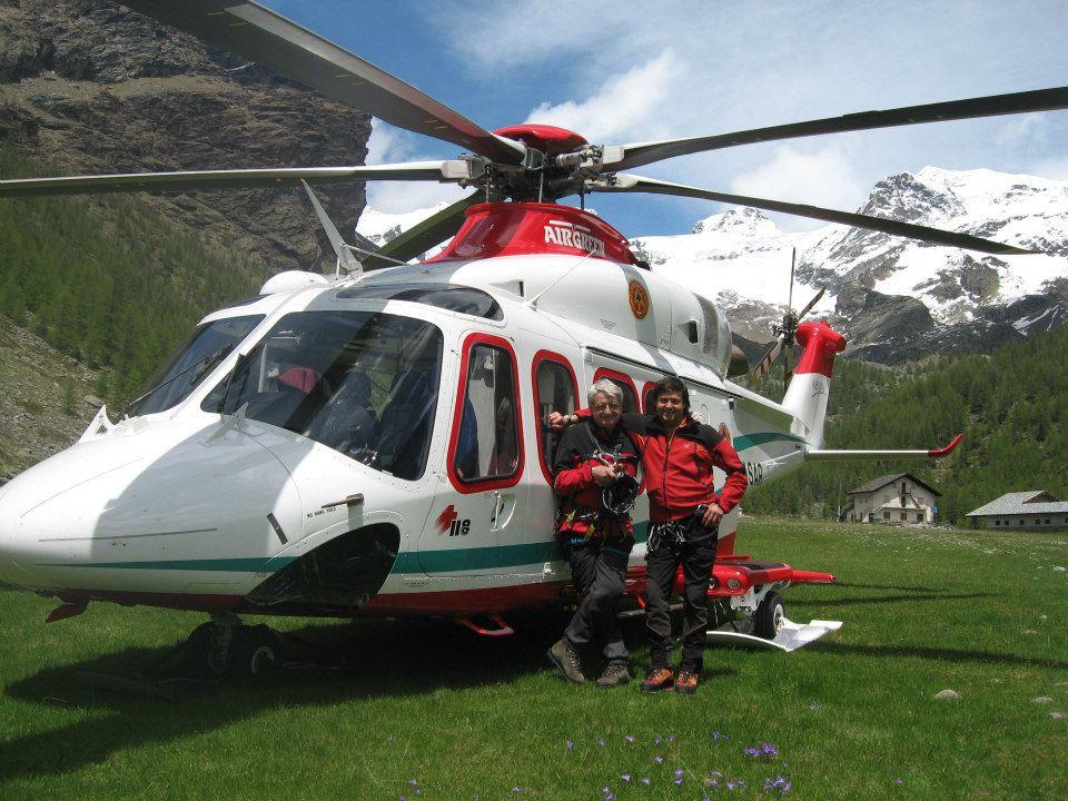 """Photo of Tra gli """"eroi"""" del 2018 premiati da Mattarella il medico Carlo Vettorato, tra i padri dell'elisoccorso in Valle d'Aosta"""