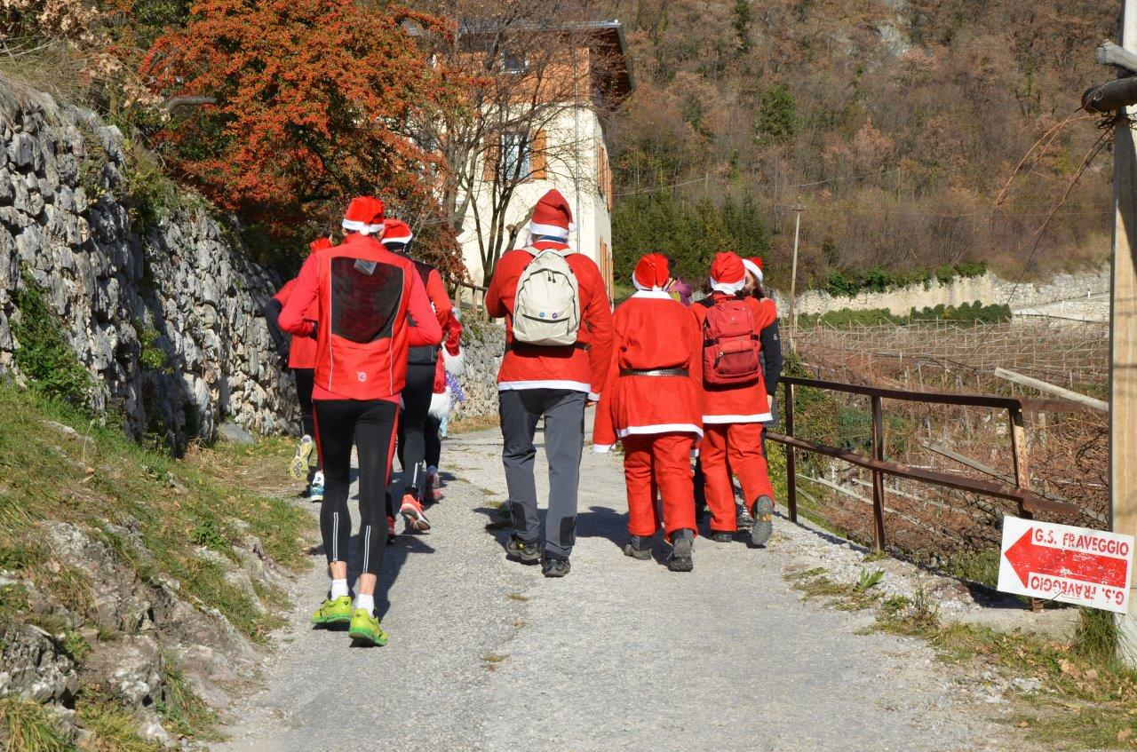 Photo of Una camminata in montagna contro i chili di troppo e il malumore natalizio