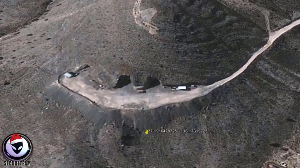 Photo of Un hangar alieno sui monti del Nevada?