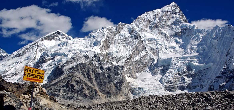 Photo of In bici fino all'Everest, per uno spettacolo comico da record