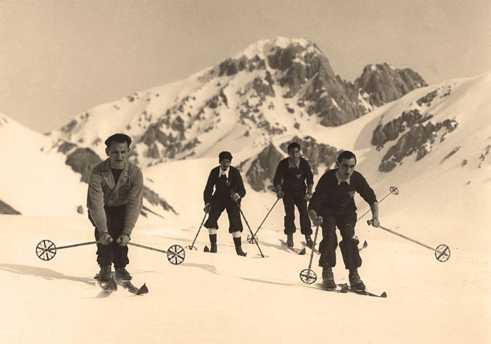 """Photo of """"Memorie di roccia e di neve"""". In libreria un Gran Sasso inedito"""