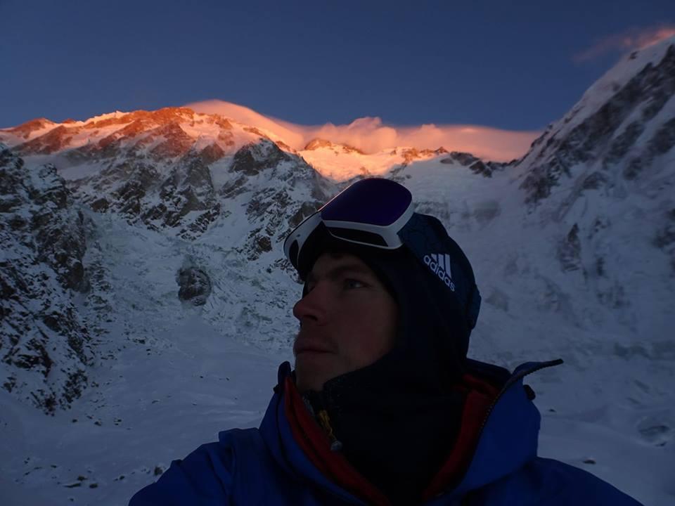 """Photo of Invernali – Ballard: """"Dobbiamo ricominciare da zero, ma siamo determinati più che mai"""". K2, tutti al campo base"""