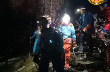 Cogne, cascata di ghiaccio, soccorso alpino valdostano