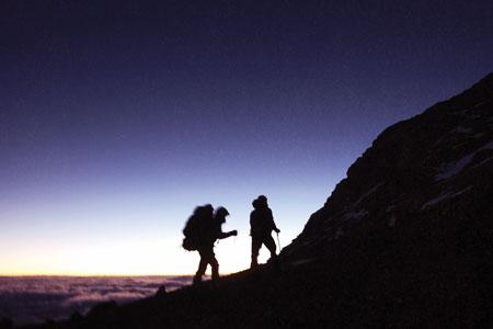 Photo of Padre e figlio tentano il record di immersione in tutti gli oceani e di scalata delle Seven Summits