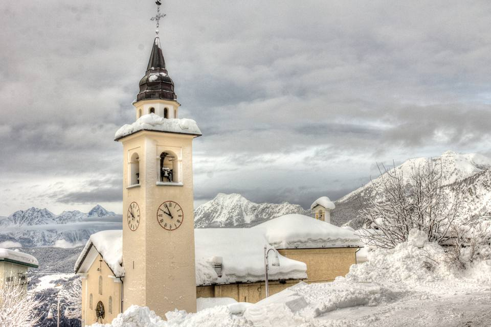 La chiesa del capoluogo. Foto Antoine Casarotto