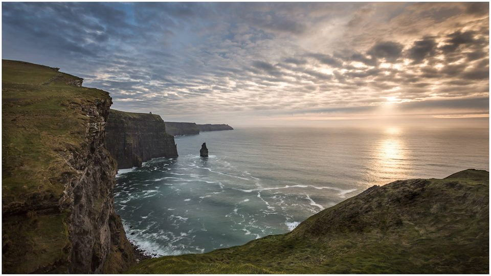 Photo of Irlanda. Seggiolini da selfie sulle scogliere di Moher contro gli incidenti da autoscatto estremo