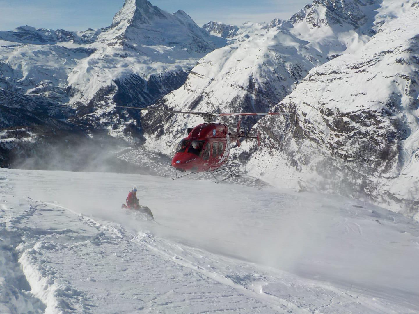Photo of Mountain and Chill – Sugli elicotteri dell'Air Zermatt, i soccorritori all'ombra del Cervino