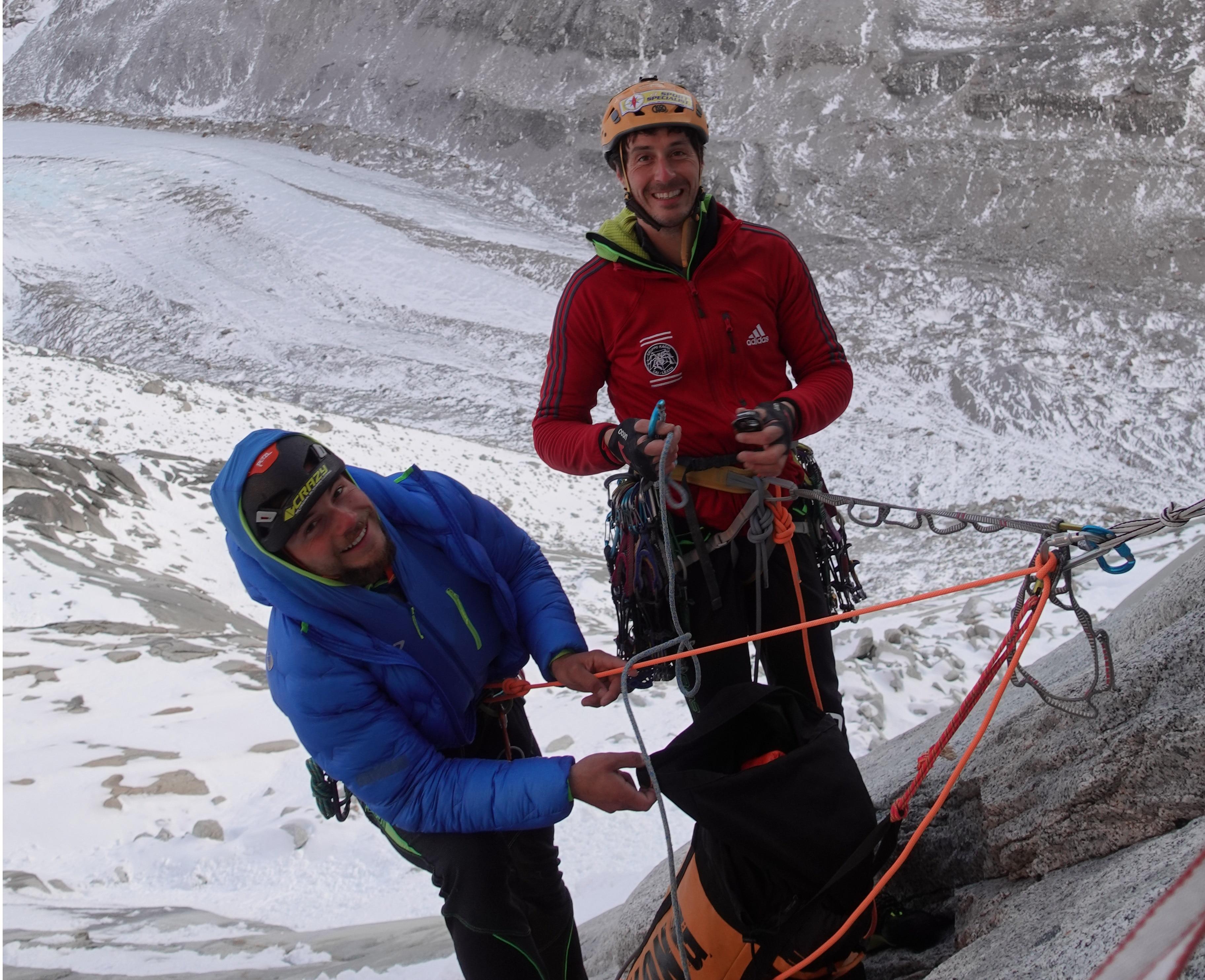"""Photo of Patagonia: Della Bordella e Pasquetto tentano una nuova via sul Mocho. """"Una scalata fantastica"""""""