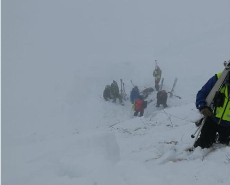 Photo of Valanga travolge sciatore sul Pordoi, un morto in Francia. E' emergenza maltempo sulle Alpi: prudenza