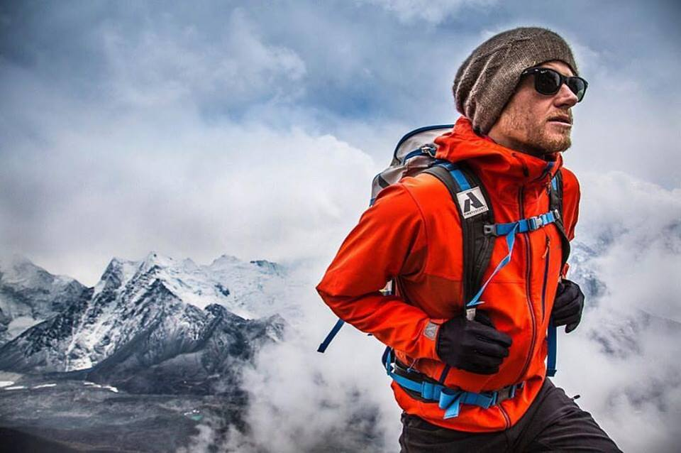 Cory Richards, Esteban Mena, Everest, parete Nord, stile alpino