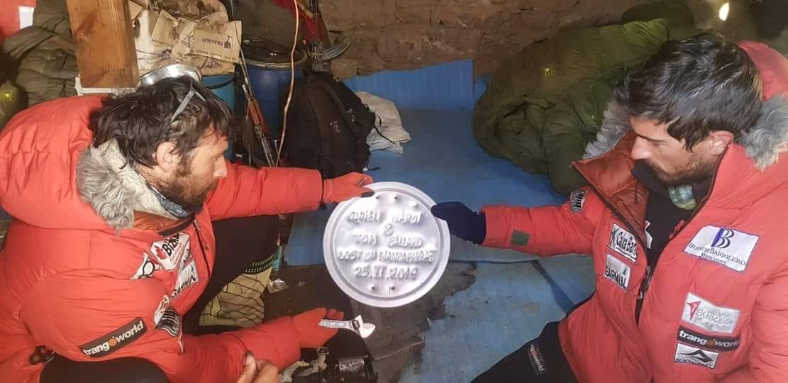 Photo of Nardi-Ballard: Alex Txikon in volo verso il K2. Possibilità per il recupero dei corpi