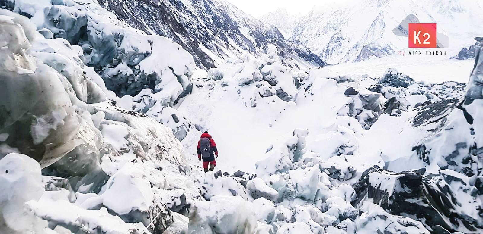 Photo of Alex Txikon, il basco ostinato, ci sta provando sul K2