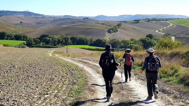 turismo slow, cammini, rete nazionale donne in cammino, green economy