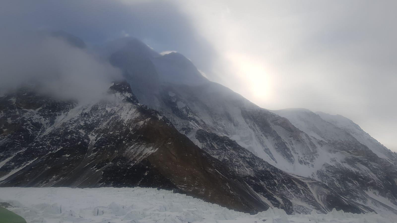 Photo of Nanga Parbat. Nardi-Ballard: in attesa degli elicotteri verso il K2. Si proverà a utilizzare i droni di Alex Txikon
