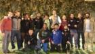 Foto di gruppo dell'ambasciatore Pontecorvo e il team di Alex Txikon