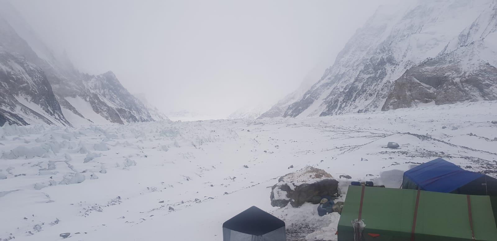 Photo of Nardi-Ballard: maltempo al Nanga Parbat e al K2, elicotteri fermi