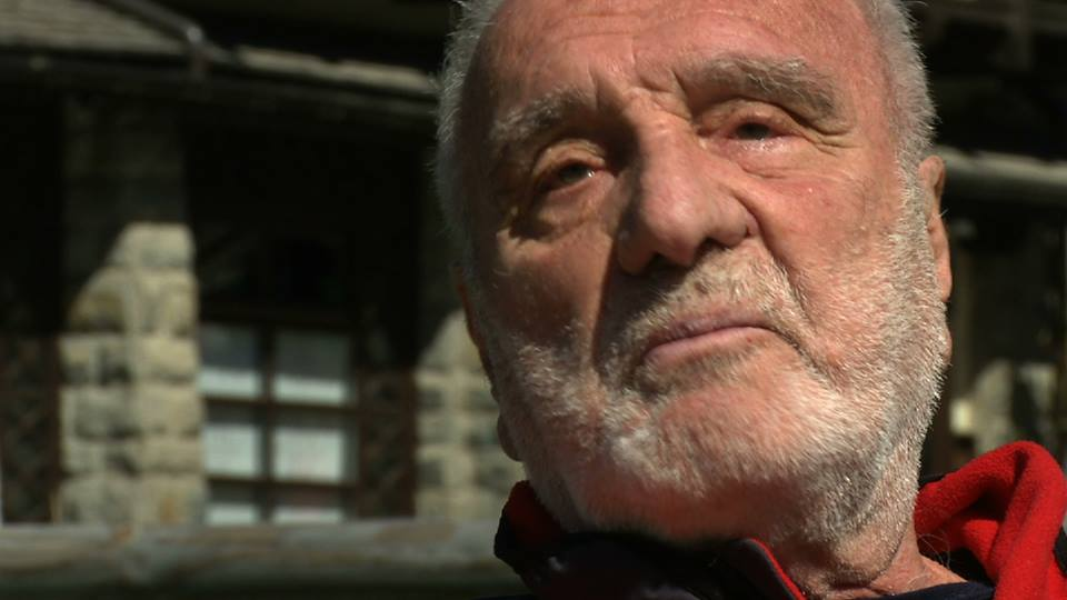 Photo of Ci ha lasciati Cesare Maestri, lutto nel mondo dell'alpinismo