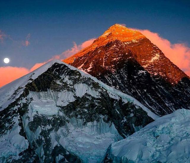 Photo of Everest. Una spedizione nepalese per rimisurare l'altezza della vetta più alta del Pianeta