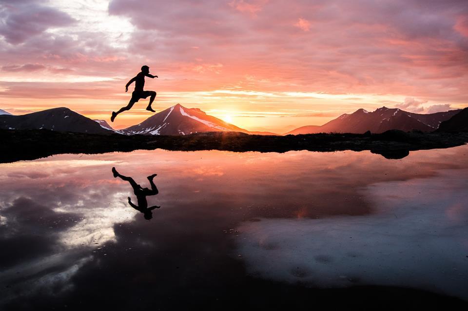 """Photo of """"A long day out"""". 56 ore di allenamento con Kilian Jornet sotto il sole di mezzanotte"""