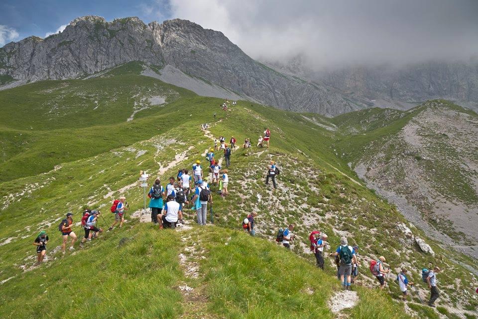 """Photo of Il CAI Bergamo punta a un nuovo Guinness sulle Orobie al grido di """"Save the Mountains"""""""